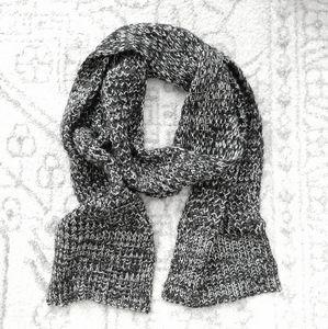 Bundle add-on! VS cozy scarf